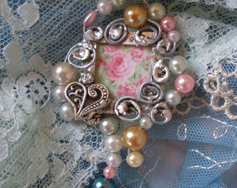Miladies Baubles Garden Inspired Wired Pendant with Pearls and Heart Charm