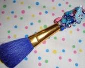 Bright Blue Makeup Brush - kuromi