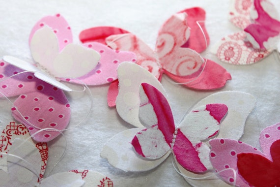 Butterfly Garland - in Strawberry Cream