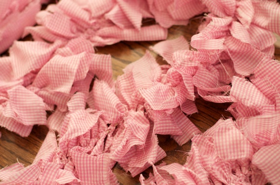Shabby Ruffle Strip Garland in Pink and White