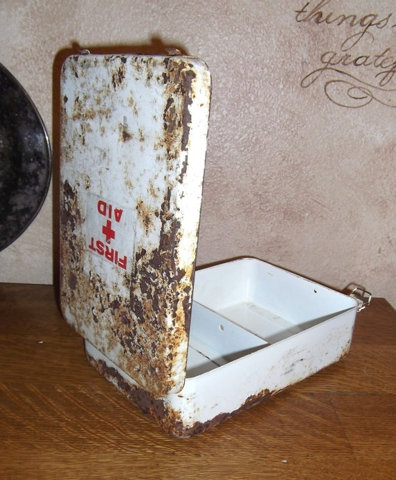 Vintage First Aid Kit / Box