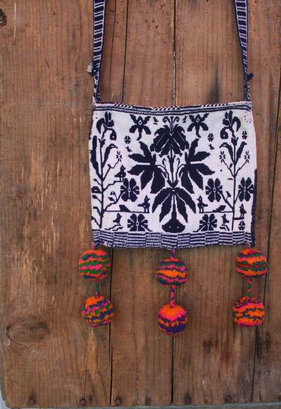 Native Americana Tribal side pack purse blue and white