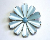 Thermoset Daisy Brooch in Pastel Blue Color