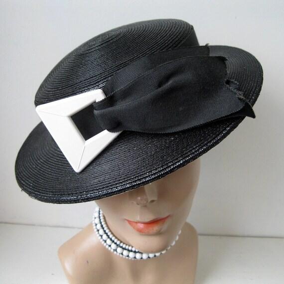Vintage 1930s Black White Straw Tilt Topper Hat Buckle 1940s Perch Summer Fashions