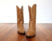Boots Vintage Leather Western Wear Camel Colored Womens Shoes Size 7