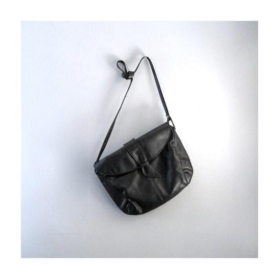 Vintage Classic Jet Black Handbag