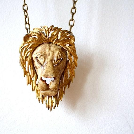 Vintage Razza Leo the Lion Zodiac 1970s Oversized Pendant