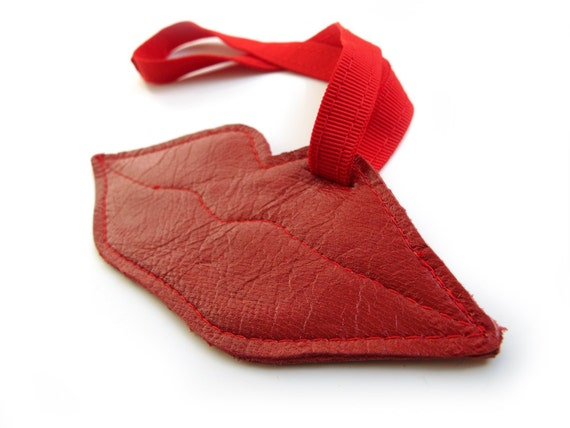 Lips Shaped red leather Luggage Tag