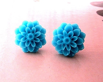 the Blue wave mum post pin earring or choose your color