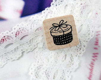 Cute Gift Box Stamp (0.75 x 0.75in)
