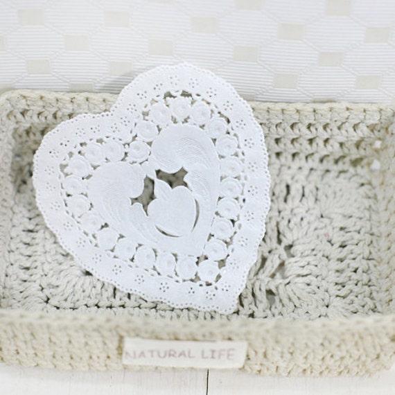 Pretty Lace Mini Heart Paper Doilies 3.5 inch (30 sheets)