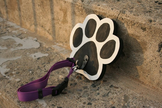 Dog Paw Recycled Wood Sign Leash holder