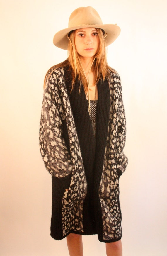 LA MITTINI 80s Leopard Animal Print Wool Oversized Slouchy Sweater