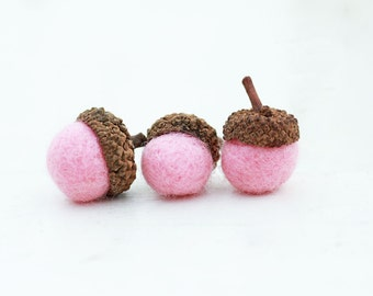 Set of 12 PINK  Wool Felted Acorns| boho, cottage chic, woodland, rustic