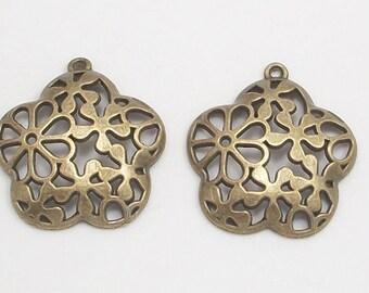 Antique Brass Flower Pattern Metal Pendants (2)