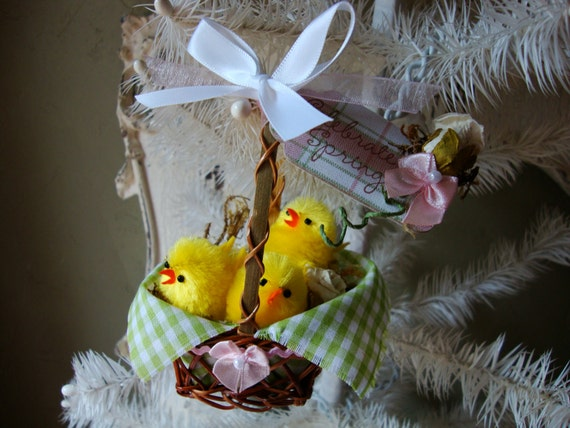 Easter basket ornaments vintage inspired mini cute chenille chicks pink and green Cottage style farmhouse easter mini basket decorations