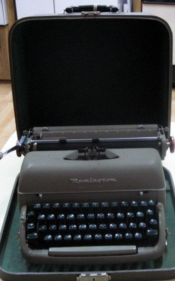 Vintage Remington Office-Riter Typewriter and Carrying Case