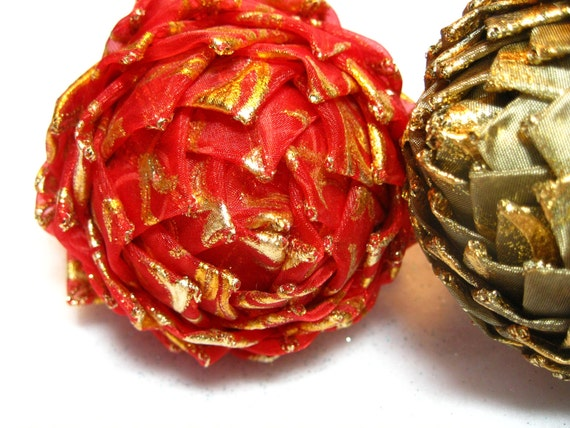 red and gold unique Christmas ornament,