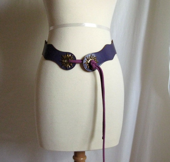 Vintage Womens Belt Purple with Gold Tone Starbursts