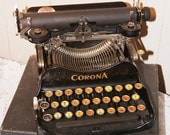 Corona Folding No3 Typewriter... Vintage for the writer... carrying Case... Great Condition...
