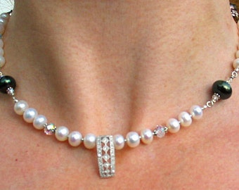 Art Deco Pendant Neckalace with Pearls and Swarovski Crystals