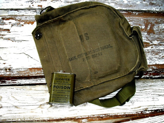 Zombie Apocalypse Vintage US Army Gas Mask Bag & Rifle Bore Cleaner Tin POISON Free Shipping