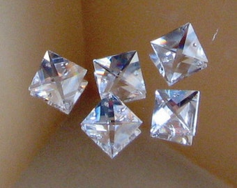 5 Clear Square Crystals - 18mm