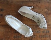 vintage peeptoe shoes size 7 // leather cutout heels with bow // euro size 37.5