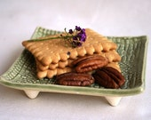 Lace pattern dessert serving plate