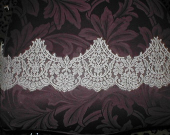 Vintage French Chantilly Lace Border