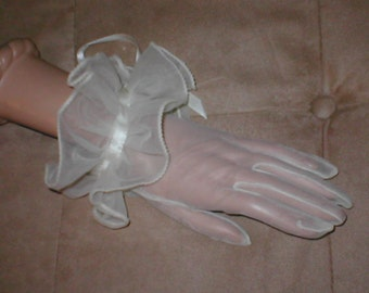 Vintage White Organza Gloves with Ruffled Cuff