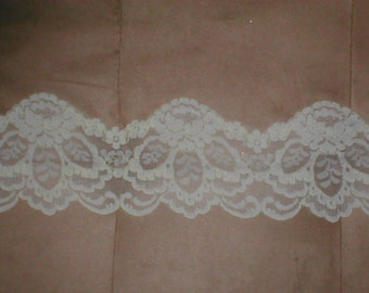 Vintage IVORY French  Lace Border 1950s