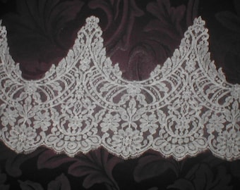 Vintage French Chantilly Lace Border ivory or white