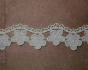 Vintage IVORY Cotton Venice Lace Border