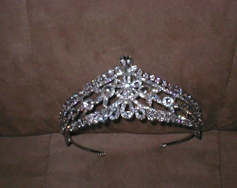 Vintage Royal Rhinestone Bridal Tiara Crown