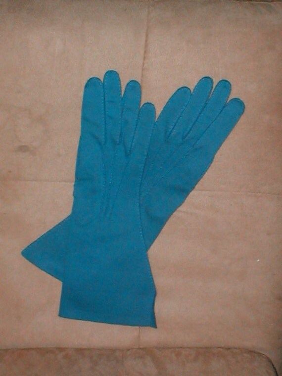Vintage Cotton Gloves 68