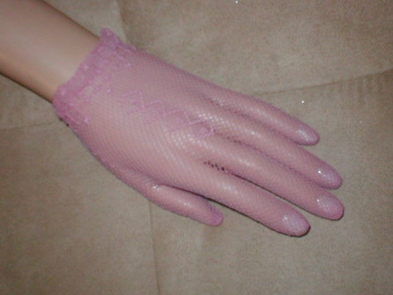 Vintage Wrist length Pink Fishnet Gloves