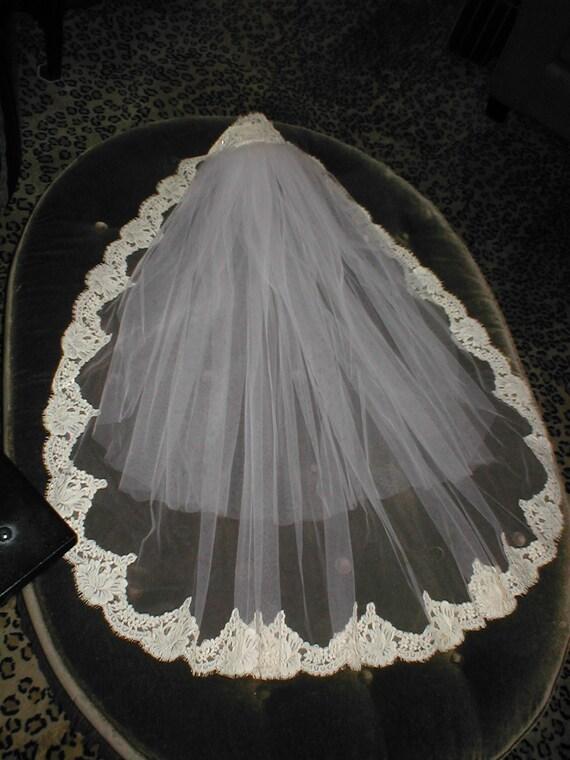 Vintage IVORY Fingertip length Alencon Lace Mantilla Bridal Veil