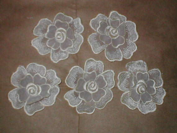 lot of 5 Vintage Embroidery Lace Appliques ivory