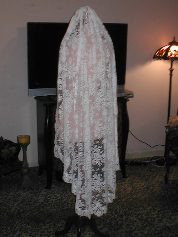 Antique Vintage French Chantilly Lace Wedding Bridal VEIL white