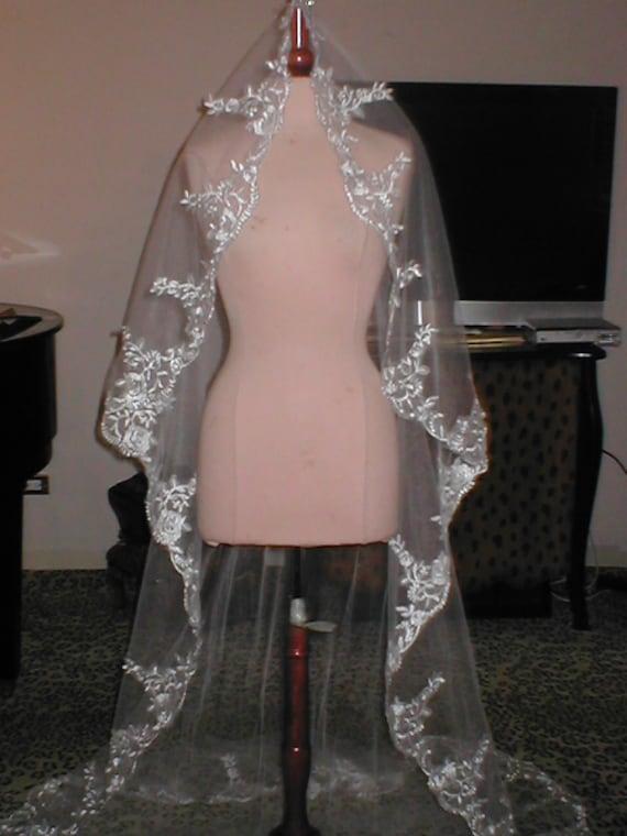 Long IVORY Lace MANTILLA Bridal Veil