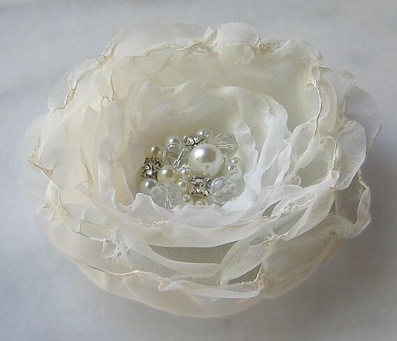Ivory Flower Fascinator, Flower Hair Clip, Bridal Flower, Pearls and Rhinestones - JOY