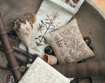 Remnant Stitch Accessories : Cross Stitch Pattern by Heartstring Samplery