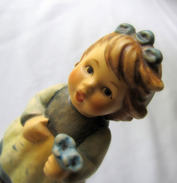 M I Hummel FROM THE HEART Figurine 761 Goebel