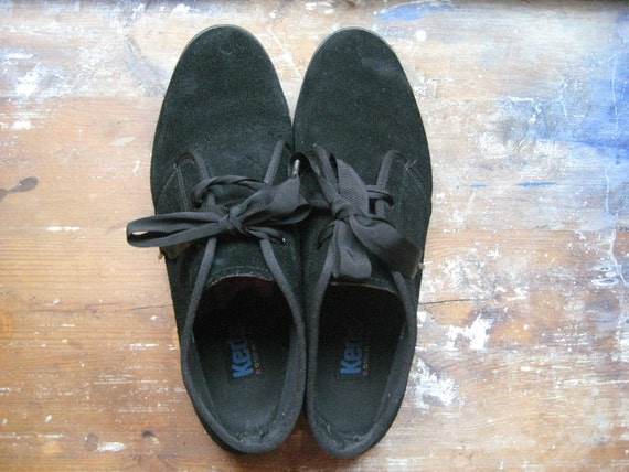 Vintage shoes, black suede keds, high sneakers, boots, size 10 (10M), 40 41