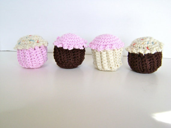 Crochet Pattern for Cupcake Toy or Pincushion INSTANT DOWNLOAD