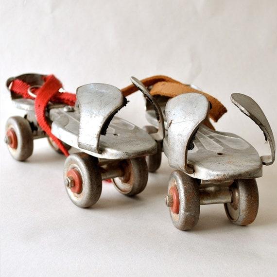 Jet Set Vintage Metal Roller Skates