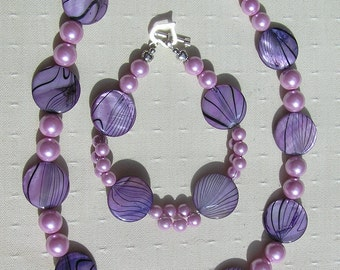 "Necklace & Bracelet Set, Mother of Pearl and Shell Pearl  ""Lavender Fantasia"" Special Offer Price, Purple Twinset, Shell Necklace, Pearl"
