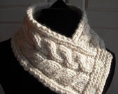 Hand Knit Cream Scarflette, Knitted Ivory Cowl Scarf  Neck Warmer Chunky, Classic, Winter White Cabled Neck Warmer, Button Neck Wrap