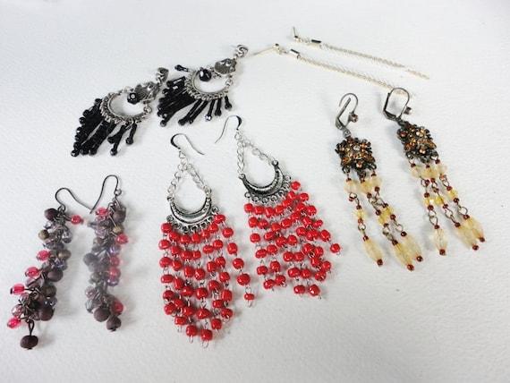vintage assortment lot of long dangles earrings all pierced red gold white  orange black  lot E2